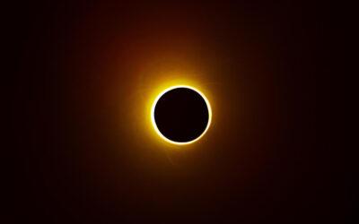 Wat betekent deze zonsverduistering?